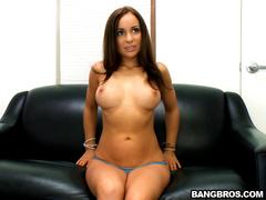 Primeiro video de sexo dessa morena gostosa